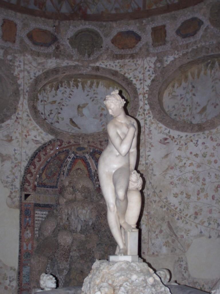 Buontalenti's Grotto - Bandinelli's Ceres