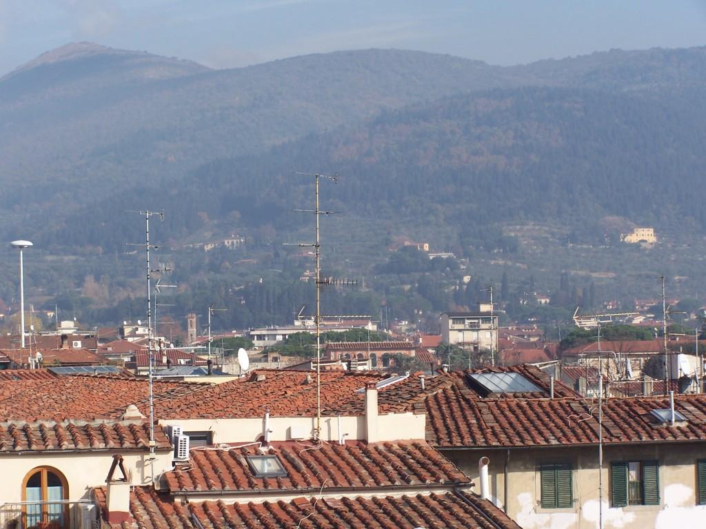 100_3477 Hills behind Prato