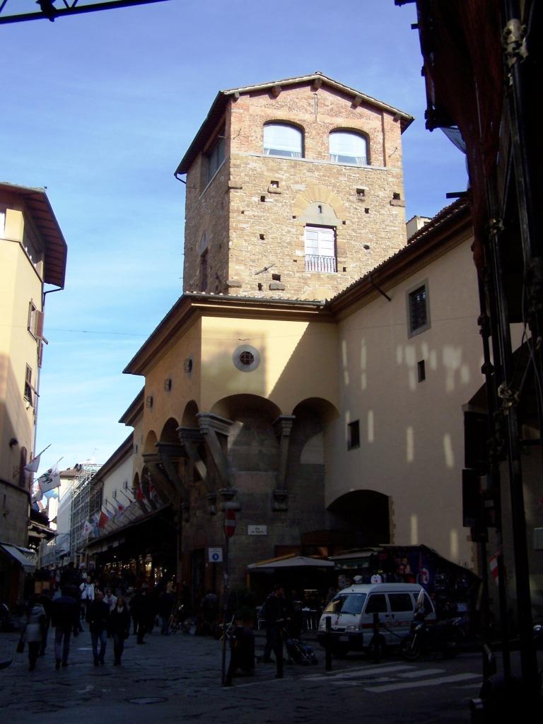 100_3987 Ponte Vecchio - Vasari corridor