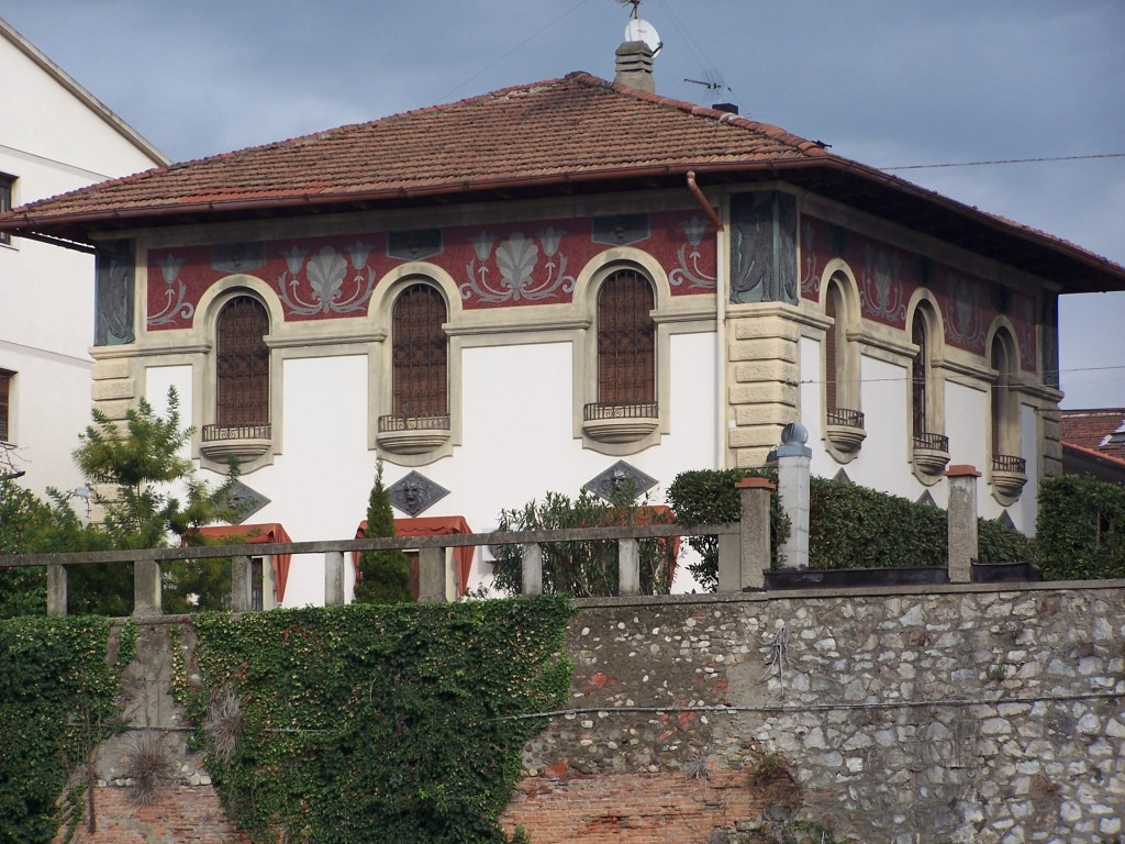 100_4132 Prato - riverside mansions