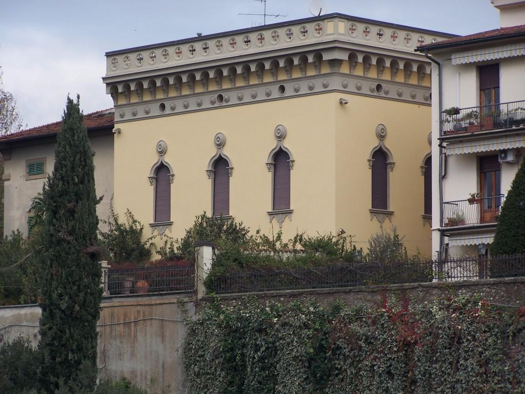 100_4134 Prato - riverside mansions