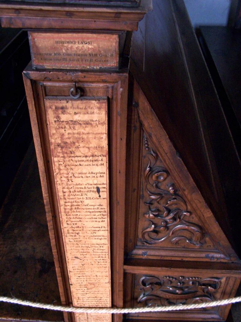 Basilica di San Lorenzo -  Laurentian Library desk