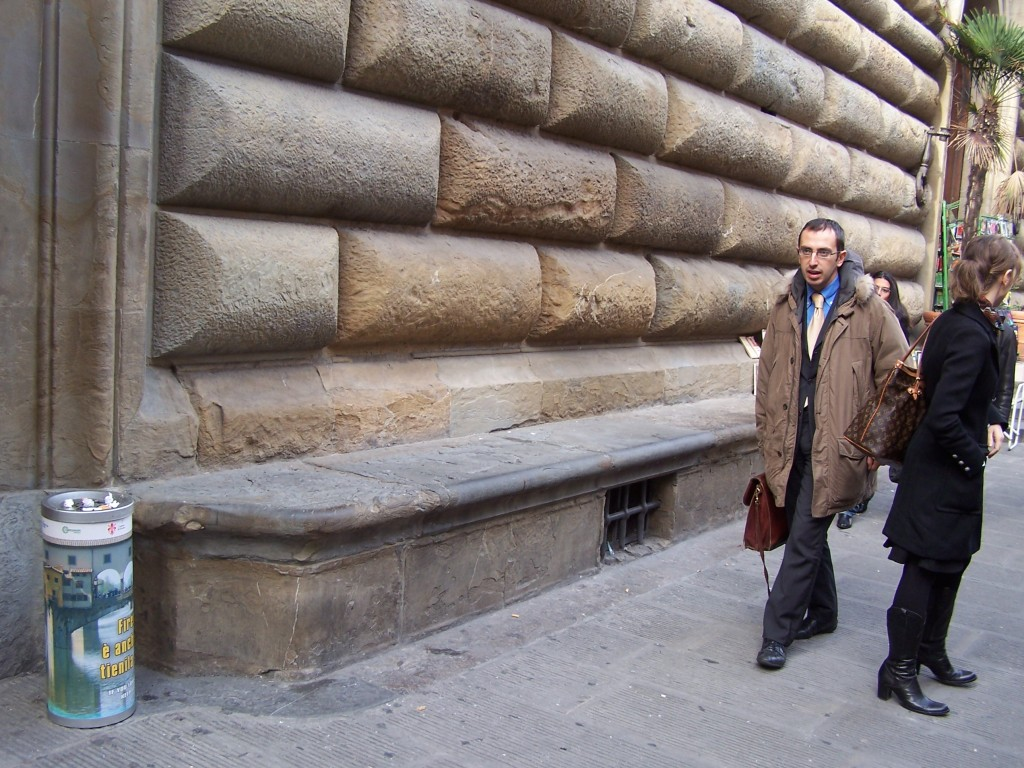 Piazza della Signoria bench 2